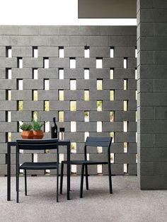 Let's discuss about a cinder block. Cinder block is a rectangular block used as building construction. Besides that, a cinder … Style At Home, Zen Style, Breeze Block Wall, Cinder Block Walls, Cinder Block Ideas, Cinder Block House, Cinder Block Garden, Brick Block, Beton Design