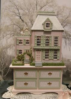Robin Betterley - I love that the table matches the house. I hope I can get mine to look that good.