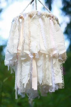 Rustic chandelier made of lace and fabric - so chic #diywedding #weddingdecor #chandelier #vintage #rustic #chic