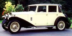 Hows that for a drive away car? 1927 Rolly Royce! I love old fashioned cars!