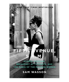 Fifth Avenue, 5 A.: Audrey Hepburn, Breakfast at Tiffany's, and the Dawn of the Modern Woman : Sam Wasson: Books Breakfast At Tiffany's, Blake Edwards, Holly Golightly, Retro Mode, Suit Up, Actrices Hollywood, Black N White, White Art, Look Fashion
