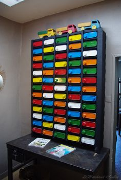 I would make it more girly! I happen to have a serious for primary colors with the exception that they are needed for every other color in the world ! Other than that I think they are U---G---L---Y---! Lego Sorting, Lego Station, Cool Shelves, Lego Storage, Storage Ideas, Lego Table, Vintage Elephant, Lego Photography, Home Desk