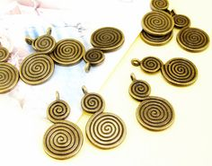 10Beads Circle Bronze Plated Brass Filigree Findings by diygem