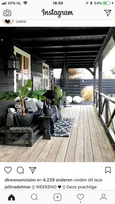 Outdoor Rooms, Outdoor Gardens, Outdoor Living, Outdoor Decor, Cottage Porch, Dark House, Outside Living, Spanish House, Patio Roof