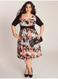 Janus Dress - a pretty dress for the bustier ladies...