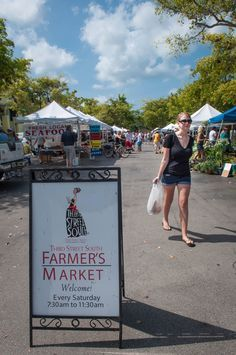 Must Do Visitor Guides, MustDo.com |Third Street South Farmer's Market Naples, FL. Photo credit Debi Pittman Wilkey.