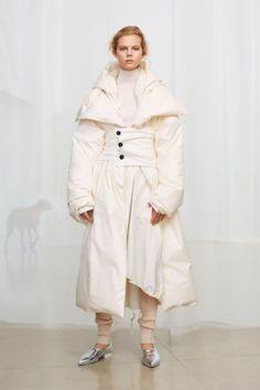 Jil Sander Pre-Fall 2018 Fashion Show