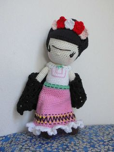 Frida Khalo muñeca de ganchillo de 27 cm on Etsy, 48,34 €