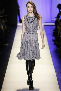 This is just very cool. Hervé Léger by Max Azria Fall 2016 Ready-to-Wear #nyfw #fall2016