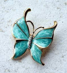 Butterfly brooch pin. Aqua blue buterrfly broach. by CacheAvenue, $28.00