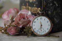 Stillleben mit Uhr