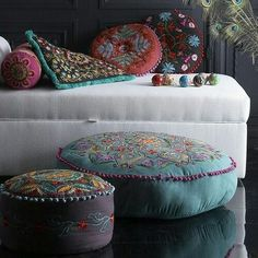 love the pillows and cushions