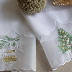 Toalhas de mãos de natal em bordado Madeira #christmas #handmade…