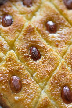 Who's feeling festive today? Now, don't let the beauty of this popular classic Middle Eastern cake fool you. It's actually super easy to make. What if I told you it's a one …