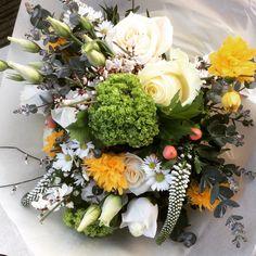Bridal sample bouquet daisies, spring bouquet