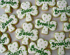 Oh Sugar Events: dotty shamrock St Patricks Day Cookies Irish Cookies, St Patrick's Day Cookies, Iced Cookies, Cut Out Cookies, Cute Cookies, Royal Icing Cookies, Holiday Cookies, Cupcake Cookies, Holiday Treats