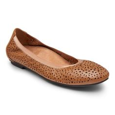 The classic ballet flat gets upgraded with our signature perforated dreamcatcher design, and a variety of colors for any wardrobe. Dreamcatcher Design, Flats With Arch Support, Heel Pain, Most Comfortable Shoes, Fashion Capsule, Leather Ballet Flats, Women's Flats, Sandals, Jimmy Choo Shoes