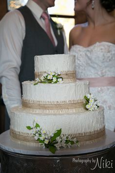 The Rustic Elegant Carriage House Barn Style Wedding Venue In Conroe Houston Woodlands Area