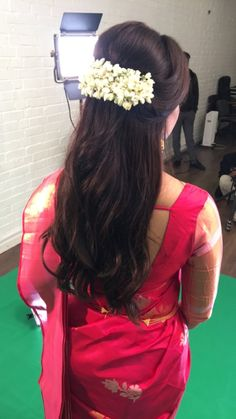 Hair makeup indian super ideas Haar Make-up Indianer super Ideen Saree Hairstyles, Indian Wedding Hairstyles, Ethnic Hairstyles, Bride Hairstyles, Hairstyles Haircuts, Hairdos, Pretty Hairstyles, Headband Hairstyles, Hairstyle Ideas