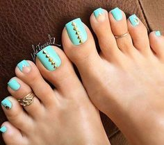 Excellent Photo beach Toe Nail Art Thoughts Commonly when we feel connected with foot, we presume they can be dirty and indeed not necessarily t Simple Toe Nails, Pretty Toe Nails, Cute Toe Nails, Pretty Toes, Beach Toe Nails, Summer Toe Nails, Summer Pedicures, Pretty Pedicures, Acrylic Toe Nails