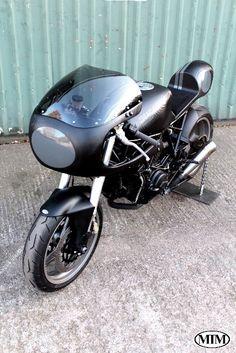 Ducati 900ss Carbon Fibre Cafe Racer #CafeRacer #Ducati #TonUp
