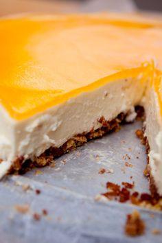 """""""Cake Ladies!"""" – Mango Cheesecake from my Fairtrade cookbook, """"Reilun kaupan ruokaa ja elämää"""" (Perhemediat, 2009) (Photo: Sininen Kuva, Sipoo FIN) ⎮ recyclie.blogspot.fi"""