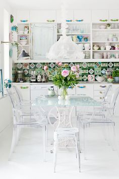 transparent dining on white | Photo: Malin Cropper