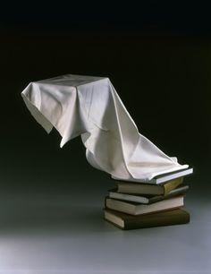 Je zou het bijna niet geloven, maar toch is het waar. Tom Eckert maakt sculpturen van hout en verft ze vervolgens. Het bijzondere is dat het totaal niet lijkt alsof het van hout gemaakt is door de vloeiende vormen. Hij wil je ogen voor de gek houden, wat ook zeker lukt! Erg bijzonder dat iemand […]
