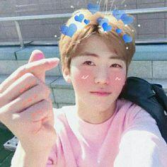 Imagine Sehun facetiming with you! Mamamoo, Nct Dream Jaemin, Got7, Nct Life, Mark Nct, Korean Entertainment, Nct Taeyong, Na Jaemin, Kpop Boy