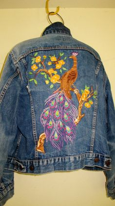 Levi Denim Jacket Embroidered Denim por BelindasStyleShop en Etsy