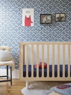 The perfect crib for colorful shoes! Why put on Prettypegs' designed furniture legs for more spice :) #prettypegs #bedlegs #diy