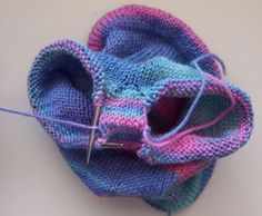Free Longies pattern with sizes from newborn to18 months and lots of pics to help
