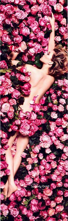 Léa Seydoux Harper´s Bazaar Sep 16. #roses #editorials