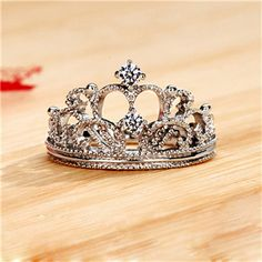 Breath-taking Dazling Fake Diamond Princess Crown Engagement Ring for Women