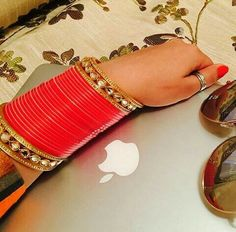 Wedding Chura, Wedding Bride, Bridal Bangles, Wedding Jewelry, Punjabi Traditional Jewellery, Bridal Chuda, Mehndi Images, Punjabi Wedding, Royal Jewels