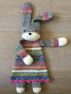 This is adorable and would make a perfect gift. If you're crocheting one for a baby, don't forget to use safety eyes! Get the pattern from A La Sascha via Ravelry.