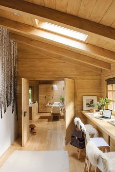 Dreamy rustic cabin in the middle of a Spanish forest Home Office Design, Home Office Decor, Home Interior Design, House Design, Office Ideas, Cabin Office, Office Setup, Office Designs, Desk Ideas