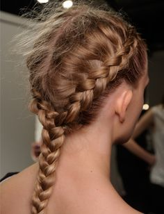 To try out soon 10 Easy Hairstyles For Damp Hair - Daily Makeover