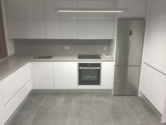 Kitchen Room Design, Modern Kitchen Design, Living Room Kitchen, Home Decor Kitchen, Interior Design Kitchen, Howdens Kitchens, Home Kitchens, Modern Kitchen Interiors, Cute Kitchen