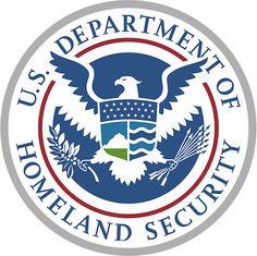 El Department of Homeland Security (DHS)de los Estados Unidos, equivalente aproximado del Ministerio del Interior y responsable, entre otras muchas cuestiones, del tránsito a través de las fronteras del país, se plantea exigir a los millones de visitantes que cada añointentan entrar en el paíscomo turistas que proporcionen información sobresus identidades en la red:páginas web de las que son editores o autores, cuentas en redes sociales, etc. El documento, abierto a comentarios…