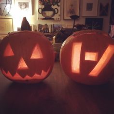 A tale of two pumpkins. One total trad. One... A band logo of some kind...I'm old but I can go with the flow people. In fact just mad I never thought to put the Black Flag bars on a pumpkin! by macsuperchunk