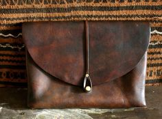 nice leather binder .... this would be great for my husband's architectural designs