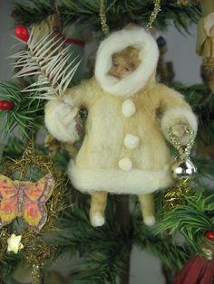 Spun cotton by Arbutus Hunter Cabin Christmas, Christmas Past, Victorian Christmas, Vintage Christmas Ornaments, Primitive Christmas, A Christmas Story, Country Christmas, Christmas Crafts, German Christmas