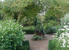 The White Garden - Moon Garden - Sissinghurst