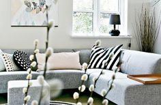 Comfy couch via Femina DK.