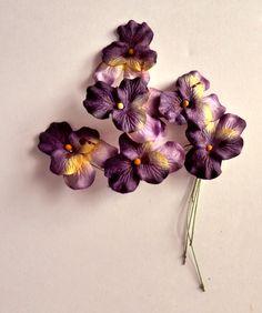 Vintage Millinery flowers. PANSY. Hat trim. Flower spray. 1940s - paper flowers - millinery pansy - hand painted millinery - de GiardinoDiNinfa en Etsy