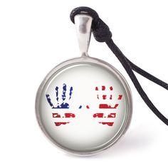 vietguild Grunge Hand Usa Flag Necklace Pendants Pewter Silver