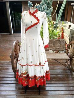 Simple Dresses, Casual Dresses, Fashion Dresses, Designer Anarkali Dresses, Designer Dresses, Dress Indian Style, Indian Dresses, Navratri Dress, Kalamkari Dresses