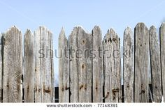 stock-photo-blue-sky-over-old-wooden-fence-77148391.jpg (450×303)