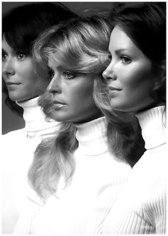 Farrah Fawcett, Kate Jackson, and Jaclyn Smith, I loved Charlie's Angels. I think until I saw the date on this that I thought I was seeing original episodes. Hey, did they ever make Charlie's Angels Underoos's? Kate Jackson, Cinema Tv, I Love Cinema, Jaclyn Smith, Costume Année 70, Hollywood, Charlies Angels, Farrah Fawcett, Old Tv Shows